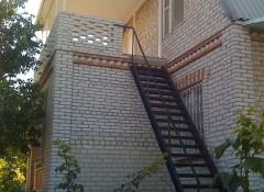 Капитальный дом в 3 уровня в Мариновке с видом на лиман