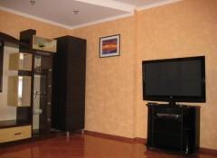 2-комнатная квартира с ремонтом на Днепропетровской дороге