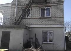 Двухэтажный дом в Вапнярке в центре села