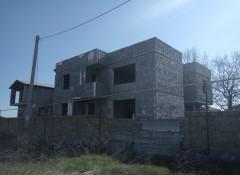 Новая коробка дома в Лесках на улице Проектной