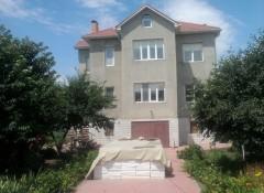 Новый 2-этажный дом с ремонтом на Шевченко-3